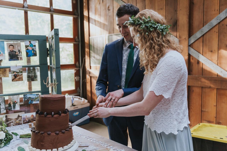 076_Ragan&Max-2502_Oregon_Forest_Smith_Wedding_Tillamook_Oregon-Forest-Wedding_Homestead_Tillamook-Forest-Wedding.jpg