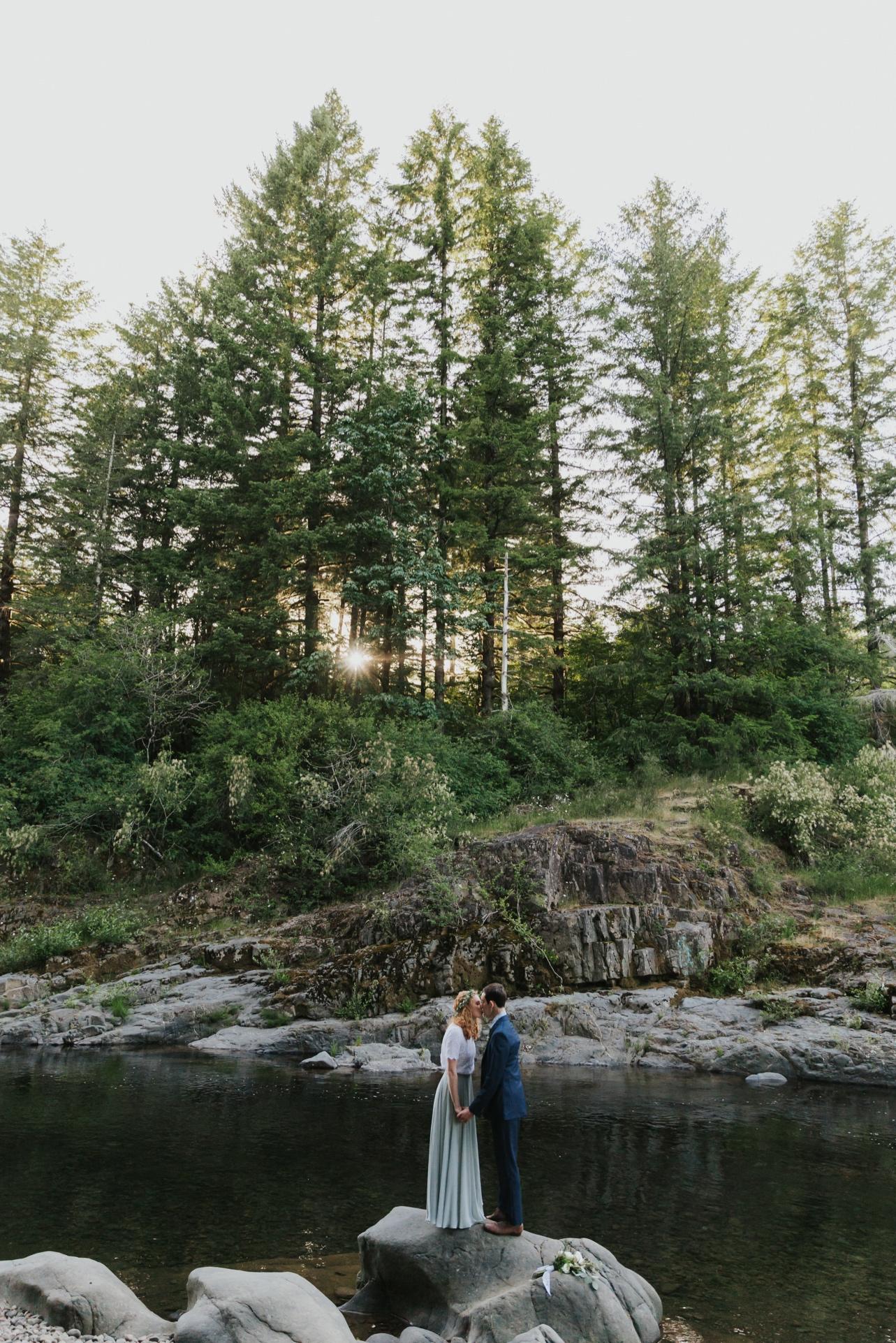 096_Ragan&Max-2600_Oregon_Forest_Smith_Wedding_Tillamook_Oregon-Forest-Wedding_Homestead_Tillamook-Forest-Wedding.jpg