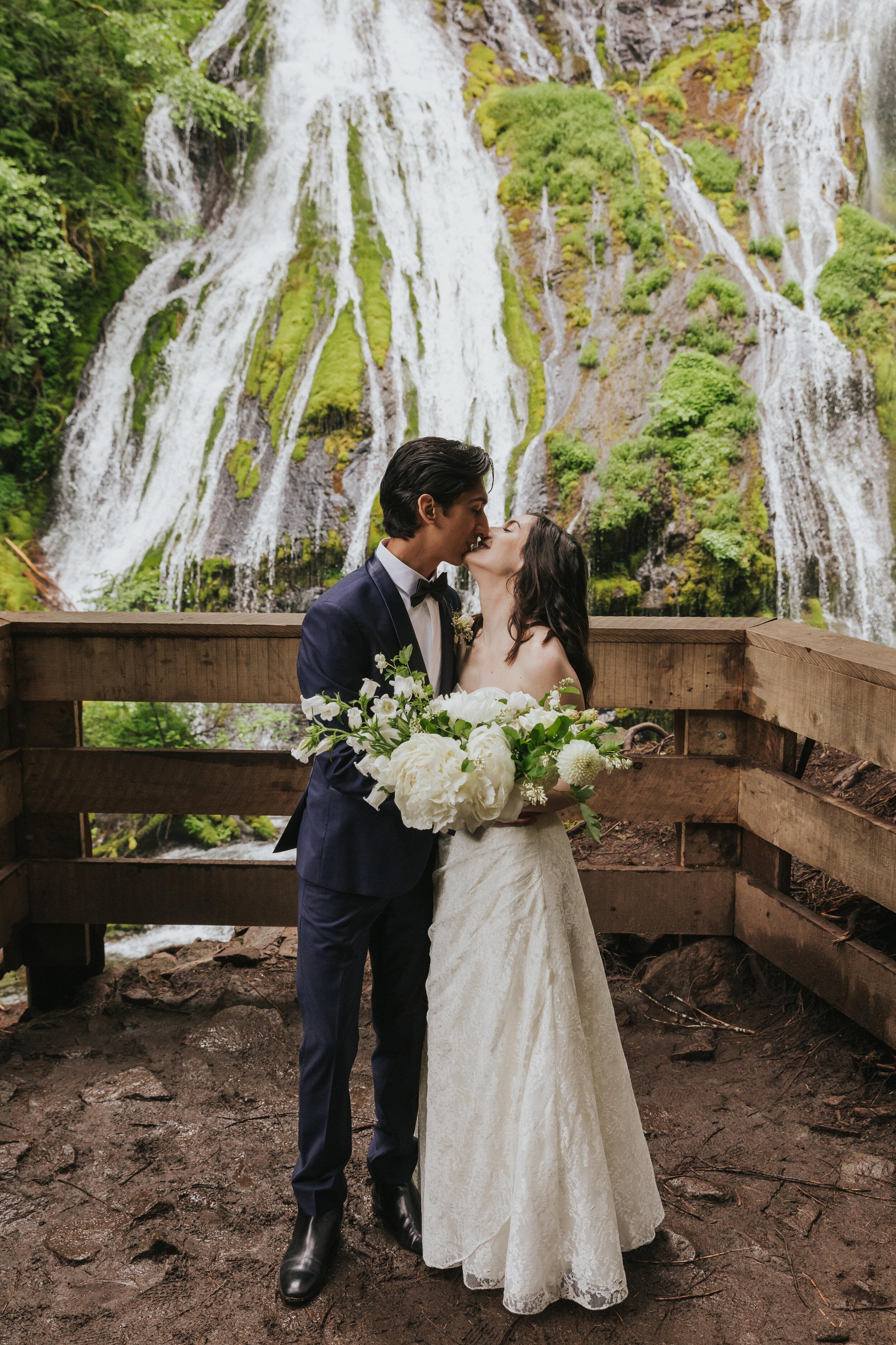 Marissa-Solini-Photography-Panther-Creek-Falls-Elopement