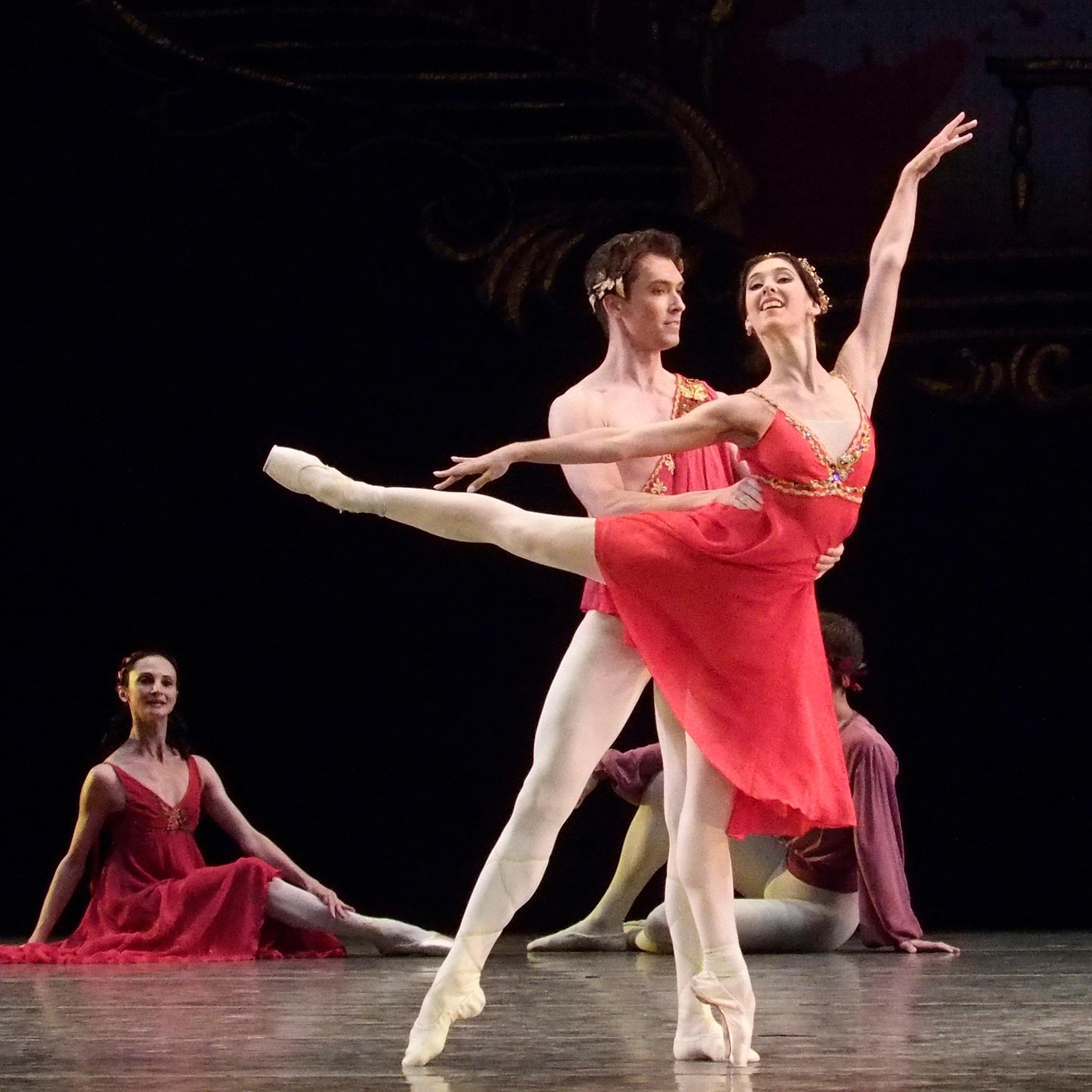PERM OPERA BALLET Principal Dancers Polina buldakova and Nikita Chetverikov. FOUR SEASONS  Photo by Vladimir Lupovkoy for RUS ART