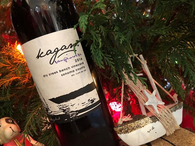 Thanks to everyone who came out to our Wine Release Party benefiting @avm_research_4_ryan ! It was a great evening with excellent food by @michaeltaylor925, and we hope everyone enjoyed the new Kagan Cellars' 2016 vintages! If you weren't able to join us, you can still donate to The AVM Research Foundation by visiting https://www.research4ryan.org/. Happy Holidays everyone!