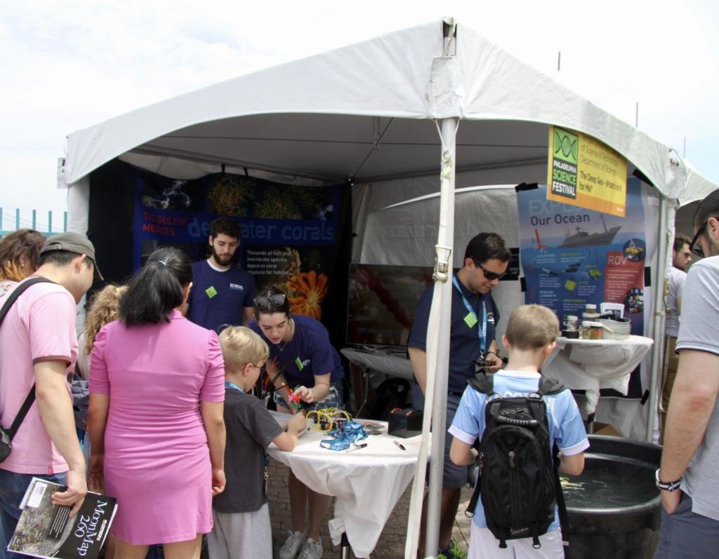 Cordes Lab run ECOGIG booth at the Philadelphia Science Fair 2017