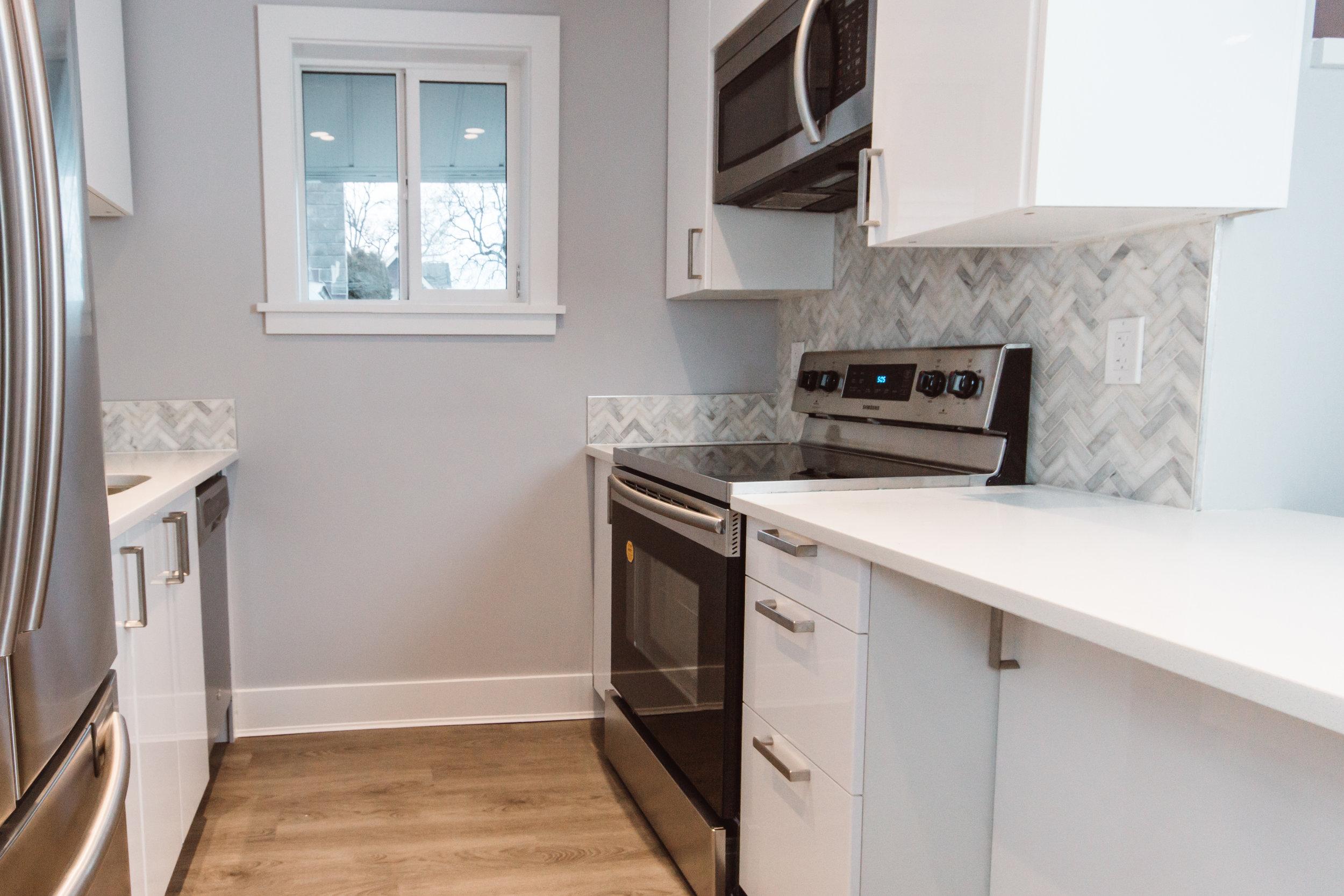 Suite1_Kitchen4.jpg