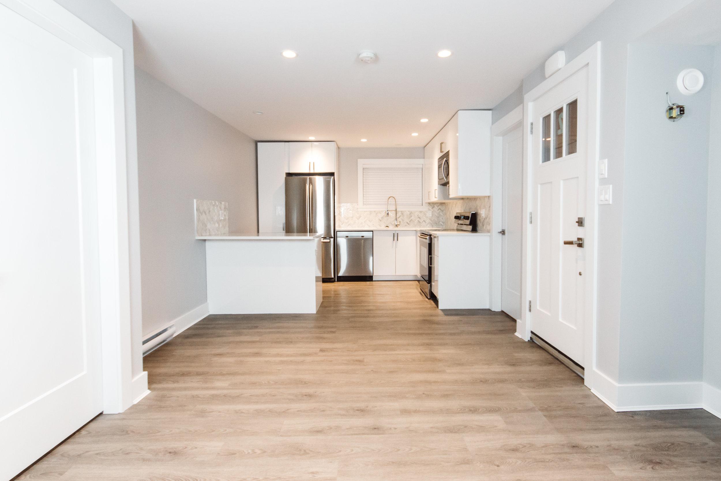 Suite2_Kitchen-LivingRoom.jpg