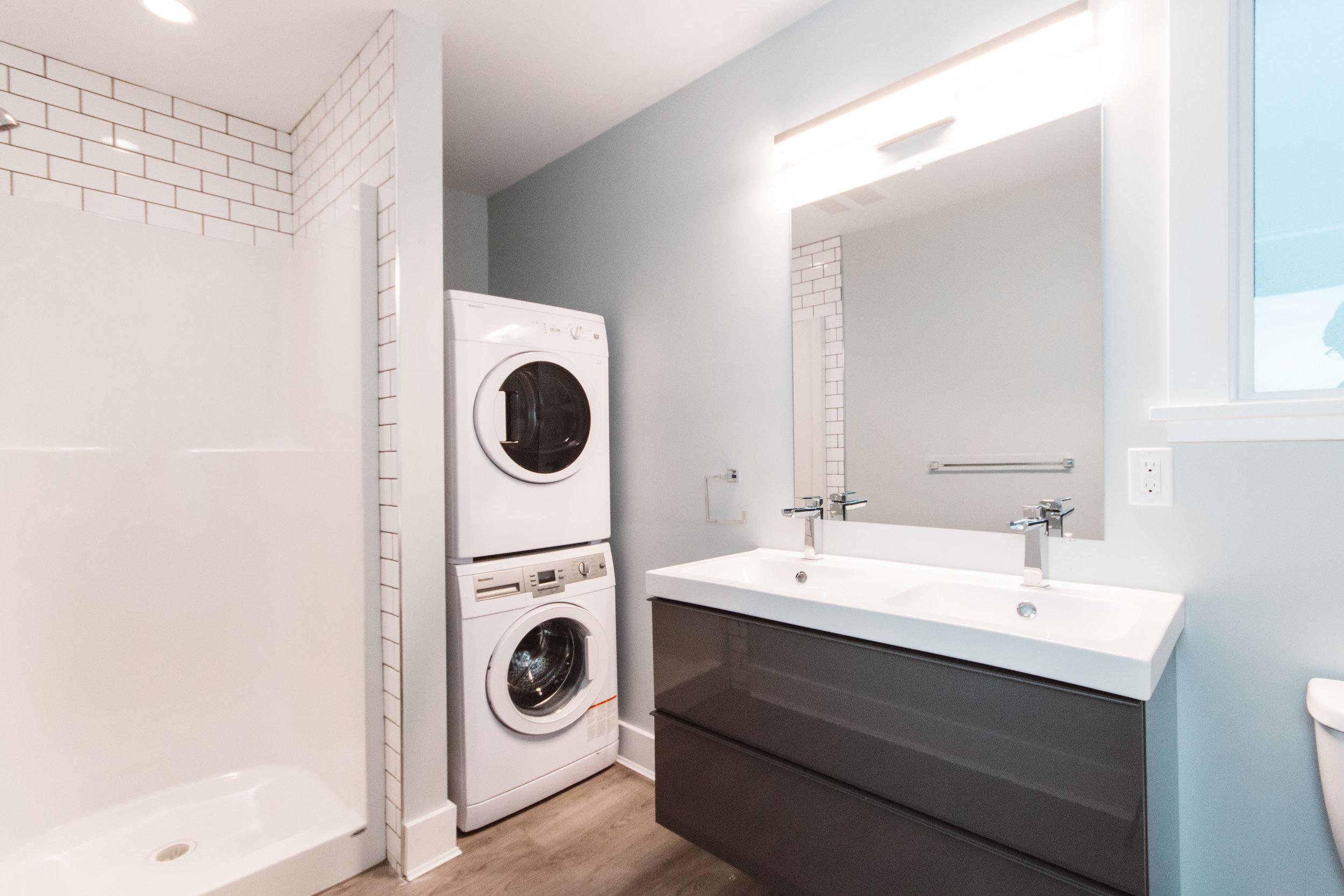 Suite2_Laundry-Bathroom2.jpg