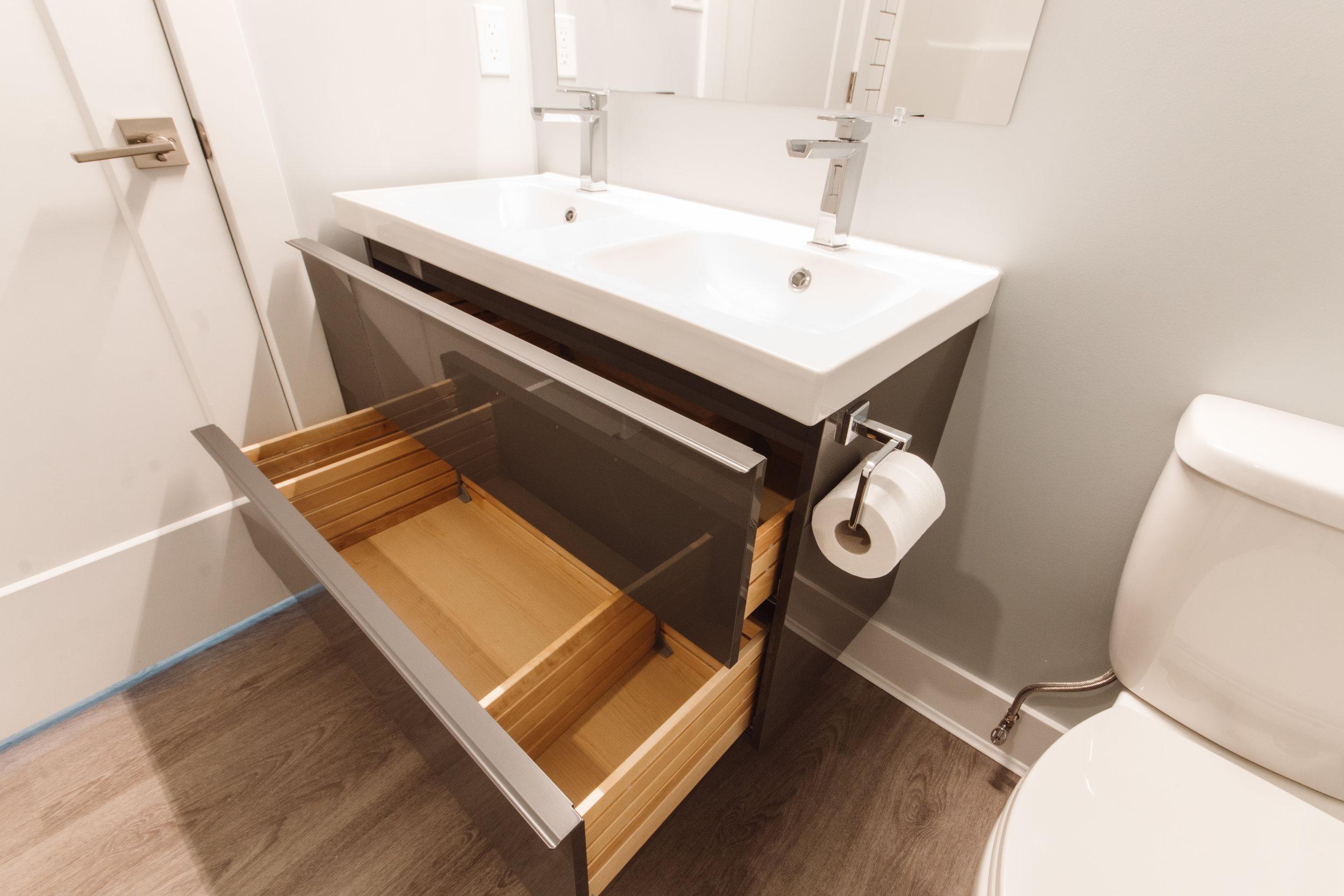 Suite3_Bathroom5.jpg
