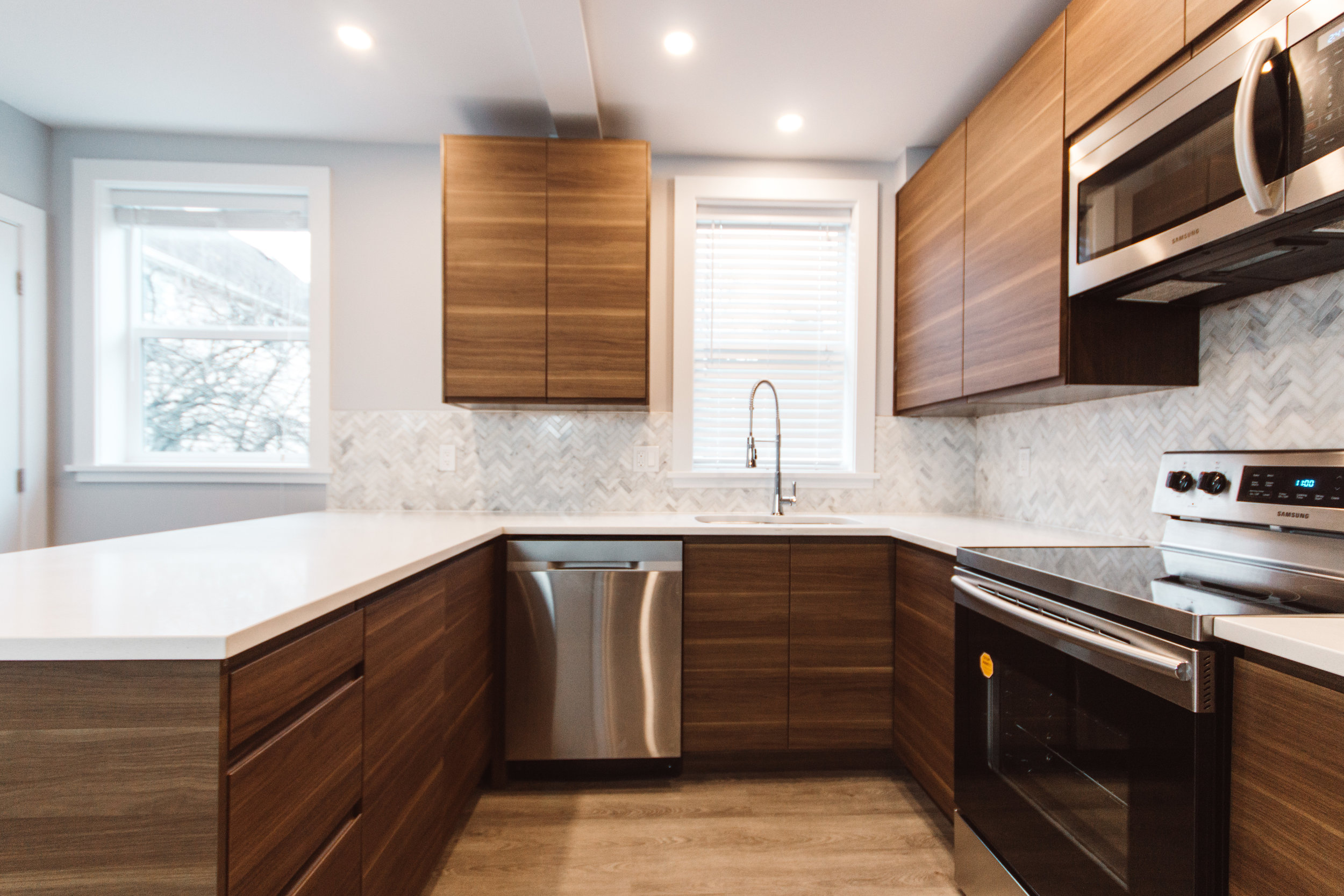 Suite3_Kitchen1.jpg