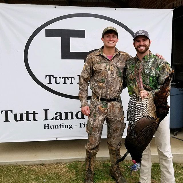 Just another Saturday in God's country. Peaceful quiet time with the Lord this morning. Challenging chess match with Mr. Tom. Great fellowship with other hunters at the @tuttlandcompany rodeo. And lastly fresh turkey breast for our family dinner tonight. Can't beat it! 🦃🙏 ⠀⠀⠀⠀⠀⠀⠀⠀⠀ #PursueTheBest ---  #GrandSlamOutdoors | #Trips4Trade | #Moultrie | #TheStrutStopsHere | #TurkeyHunting | #HoundstoothGameCalls | #MossyOak | #ItsAnObsession | #GodProvides
