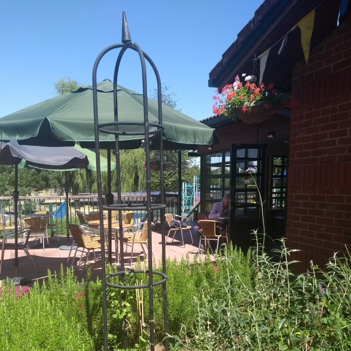 Tumbling Bay Cafe - Hidden at the back of West Oxford Community Centre, overlooking a beautiful park and moments away from the Thames Path, this is a little gem.West Oxford Community Centre, Botley Road, OX2 0BT01865 245761