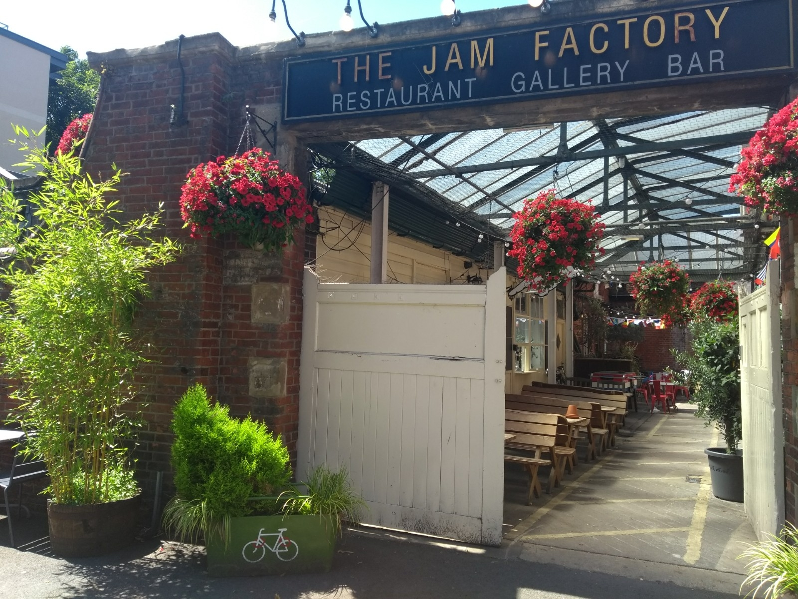 Jam Factory - You can fill up your water bottle and use the loo here free of charge, what a great socially minded cafe!Hollybush Row, OX1 1HUwww.thejamfactoryoxford.com