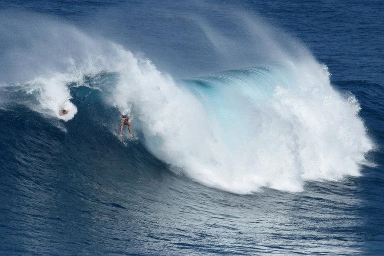 Bodysurfer -Kalani Lattanzi with the airdropPhotographer -@ShannonReporting