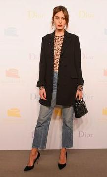 Alexa lace blouse.png