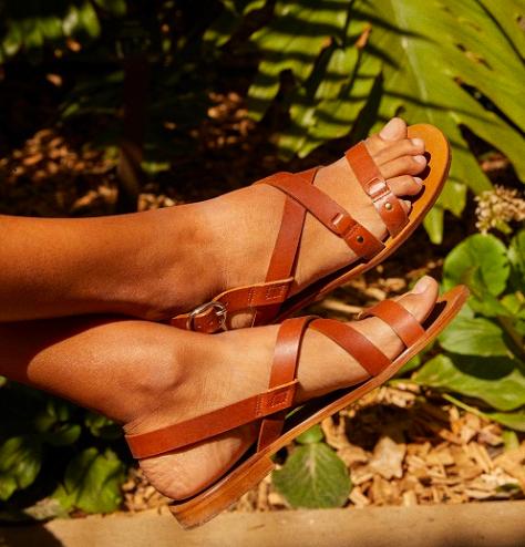Flat leather sandal