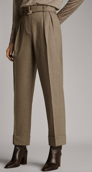 Wide cuffed trousers with belt.