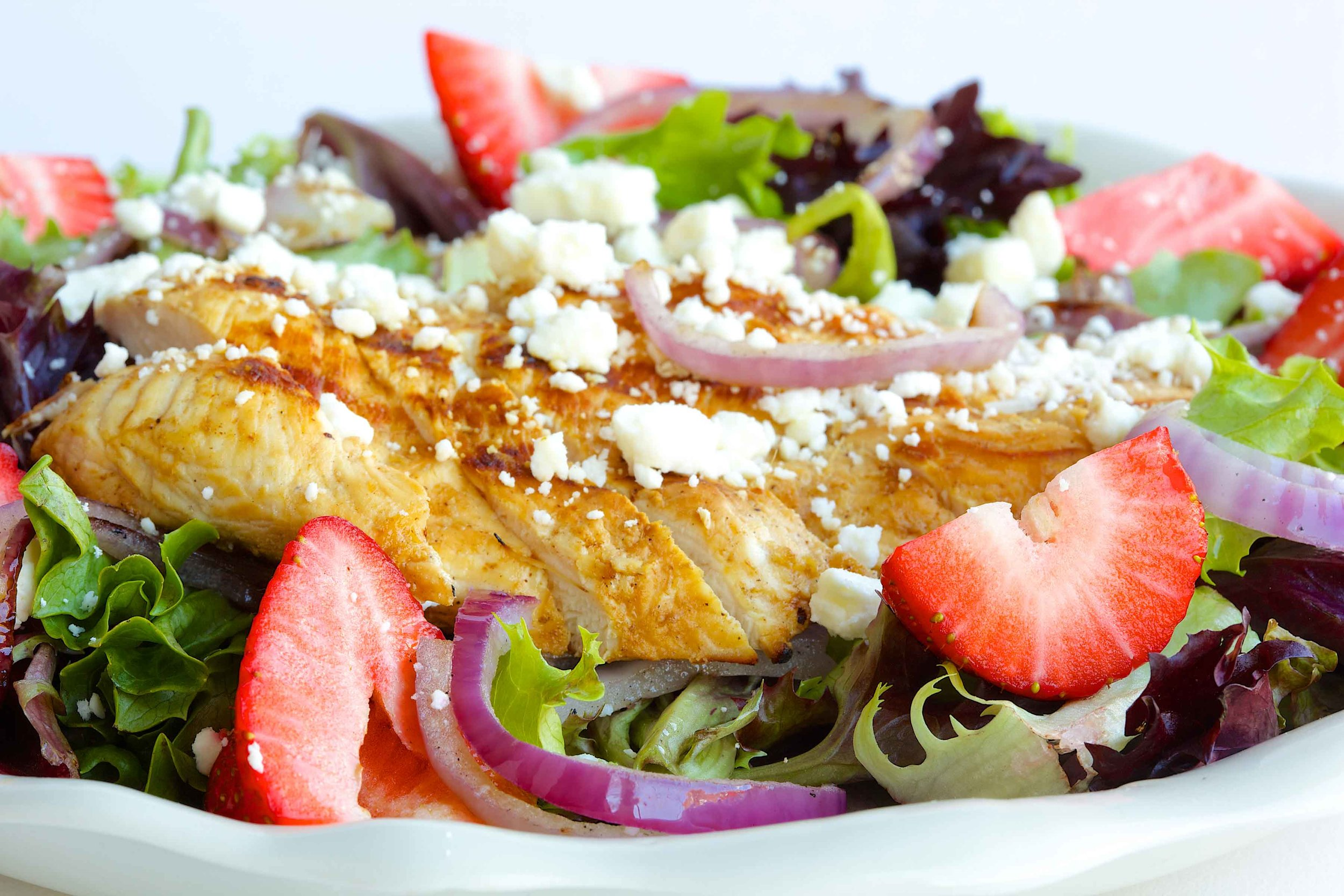 Mesclun with Strawberries & Grilled Chicken
