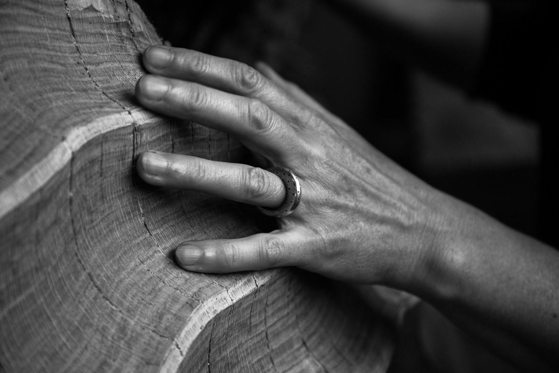 Hand on Outer Sphere, carving detail (2014) . Photo: Matt Wreford