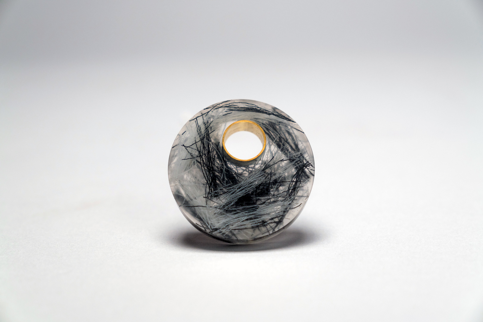 Jiaqi Li  Moon Night  Brooch (2018) Resin, silver, brass, threads Image credit: Zip Tao Zhang