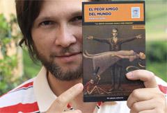 12,3X19,5 cm. Conclusivo. Con ilustraciones de la gran Rocío Galindo. Como no tiene fotos pornográfiocas este sí que se puede comprar desde  Amazon .