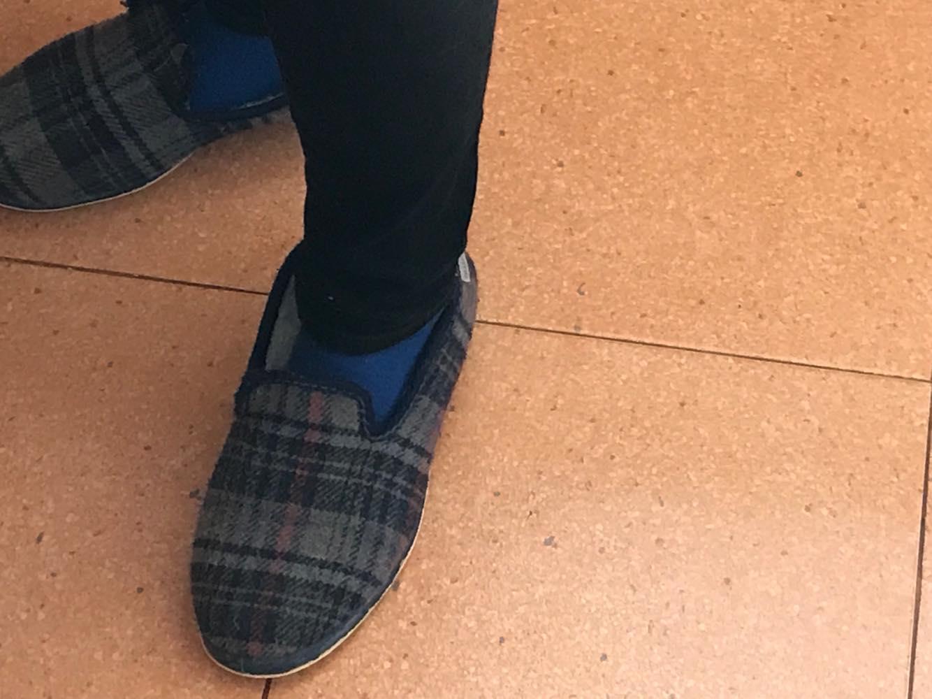 mis zapatillas de señor mayor.jpg