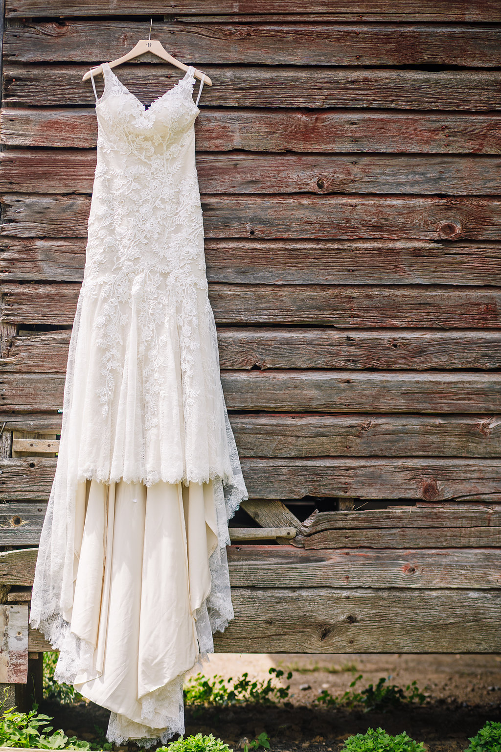 brielle-davis-events-photography-by-brea-linganore-winery-james-sarah-wedding-dress.jpg