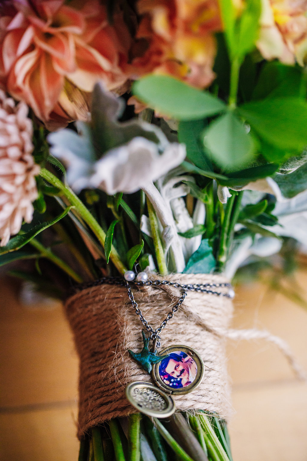 brielle-davis-events-photography-by-brea-linganore-winery-james-sarah-wedding-bouquet-locket-keepsake.jpg