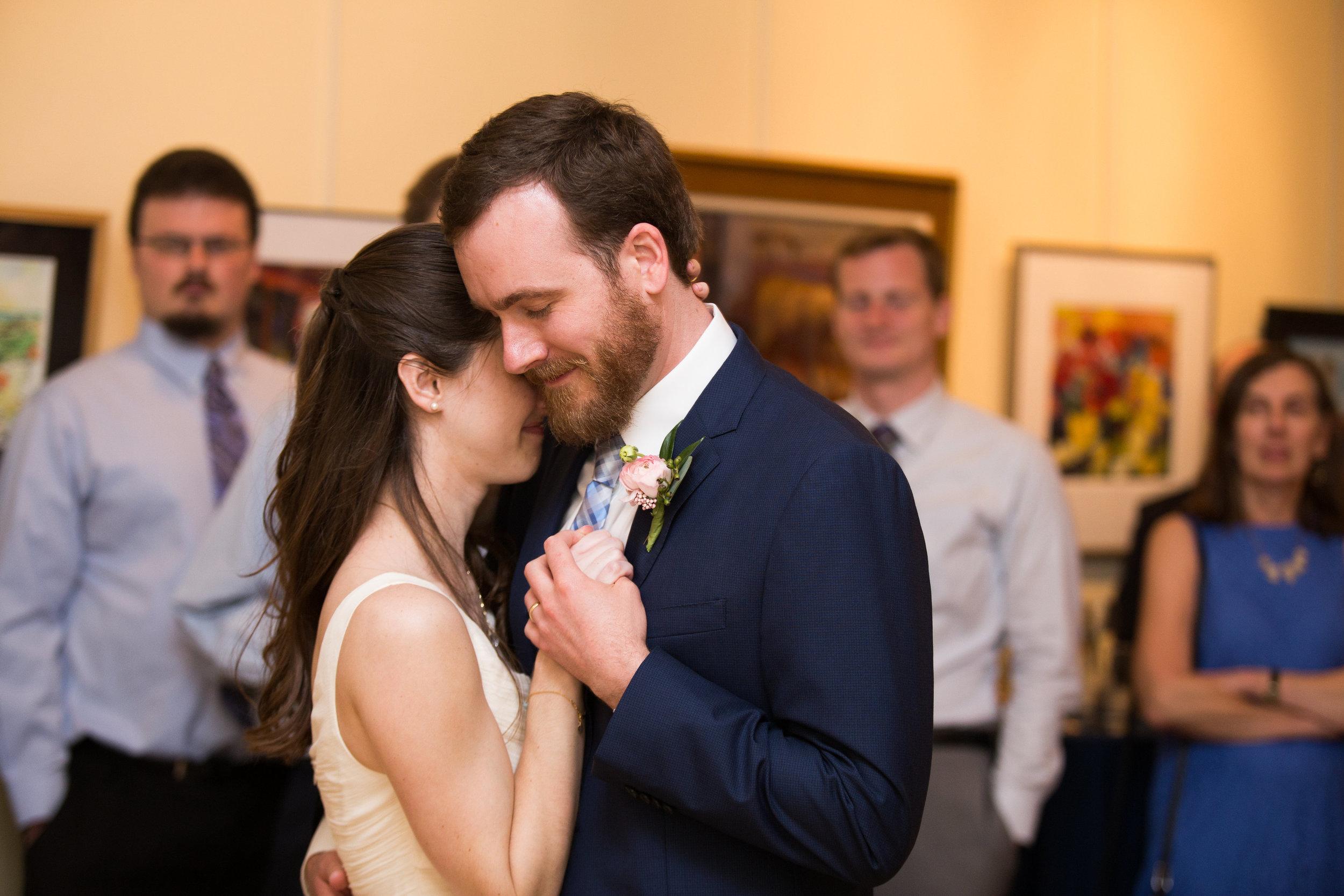 julie-dicarlo-photography-kentlands-mansion-wedding-brielle-davis-events-first-dance.jpg