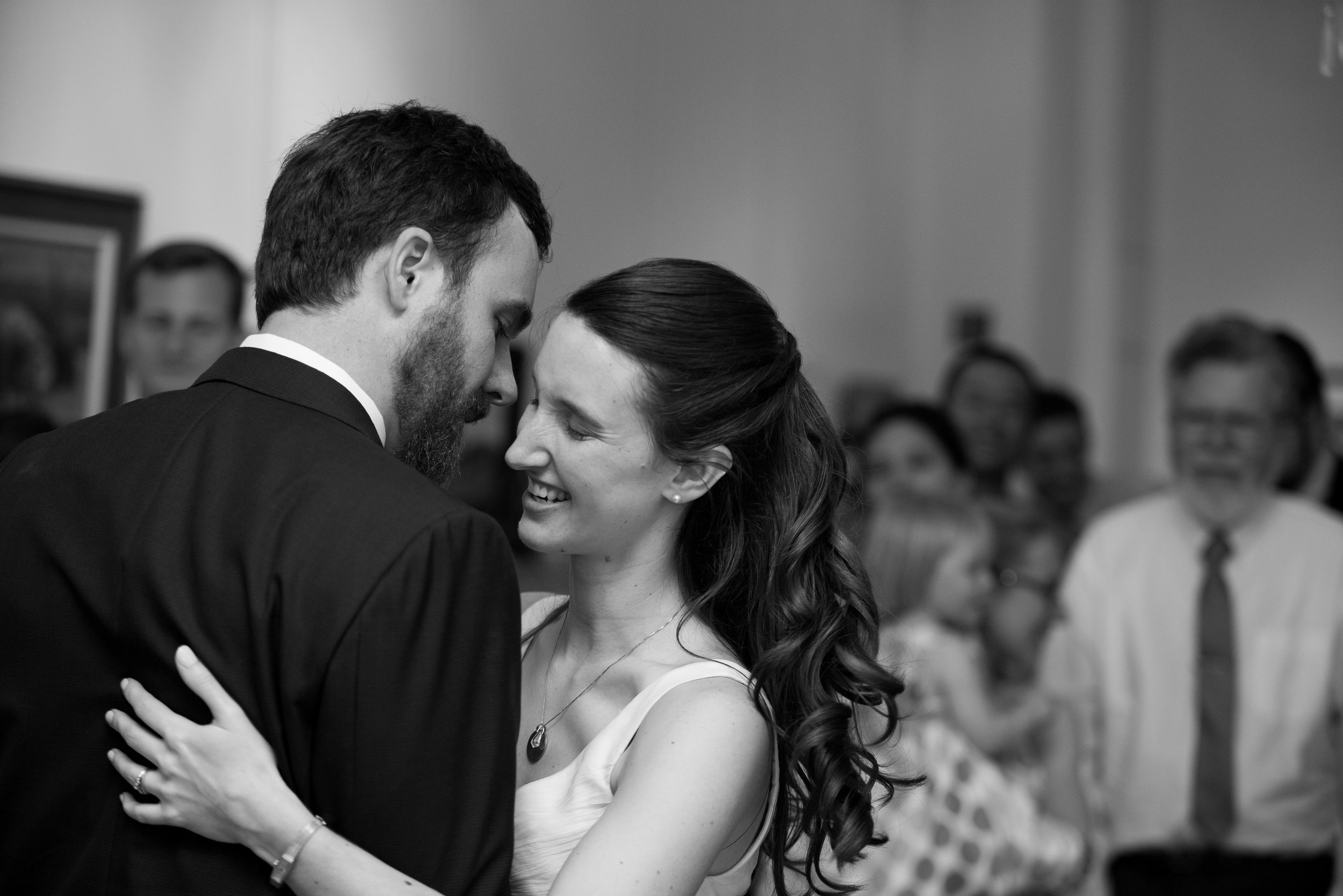 julie-dicarlo-photography-kentlands-mansion-wedding-brielle-davis-events-first-dance-laughter.jpg