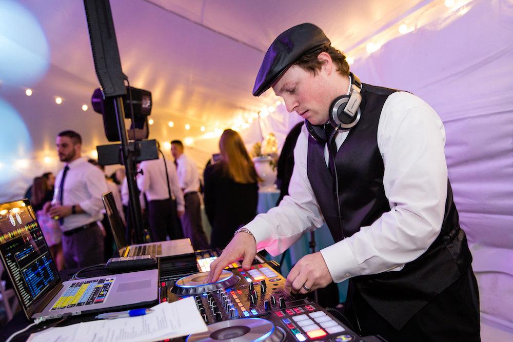 brielle-davis-events-weatherly-farm-waterfront-wedding-reception-00354.jpg