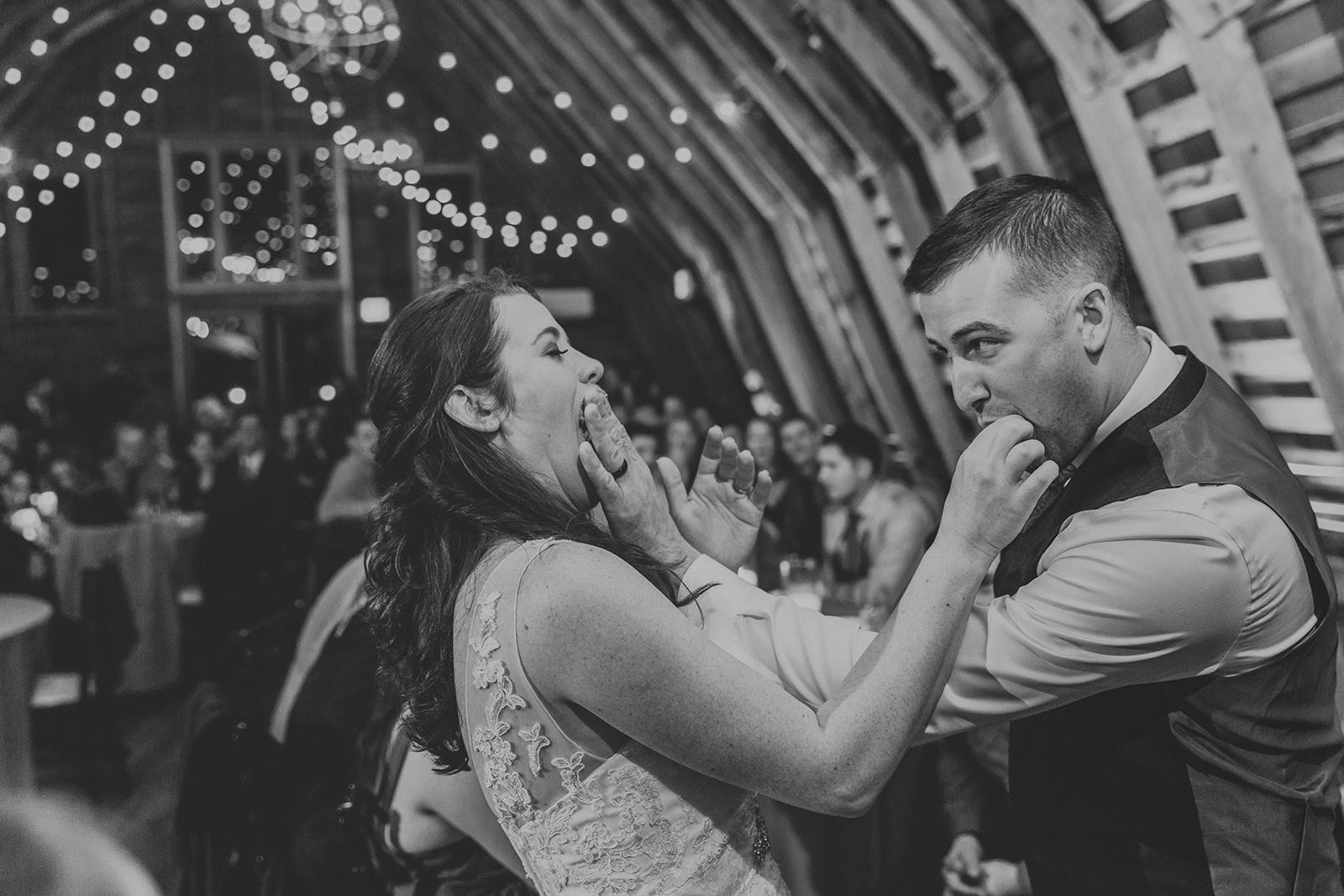 brielle-davis-events-48-fields-wedding-cake-cutting-smash.jpg
