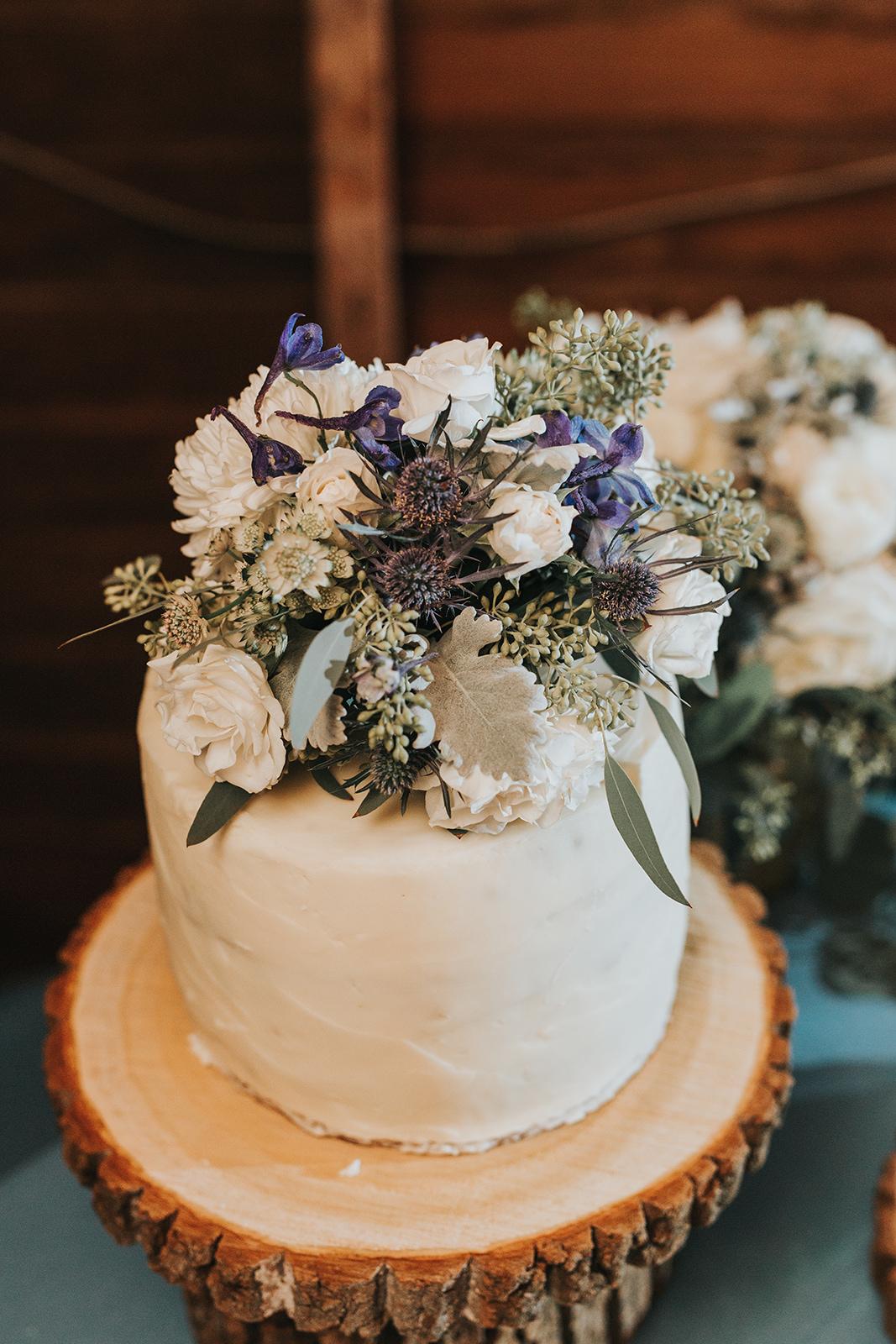 brielle-davis-events-48-fields-wedding-cake.jpg
