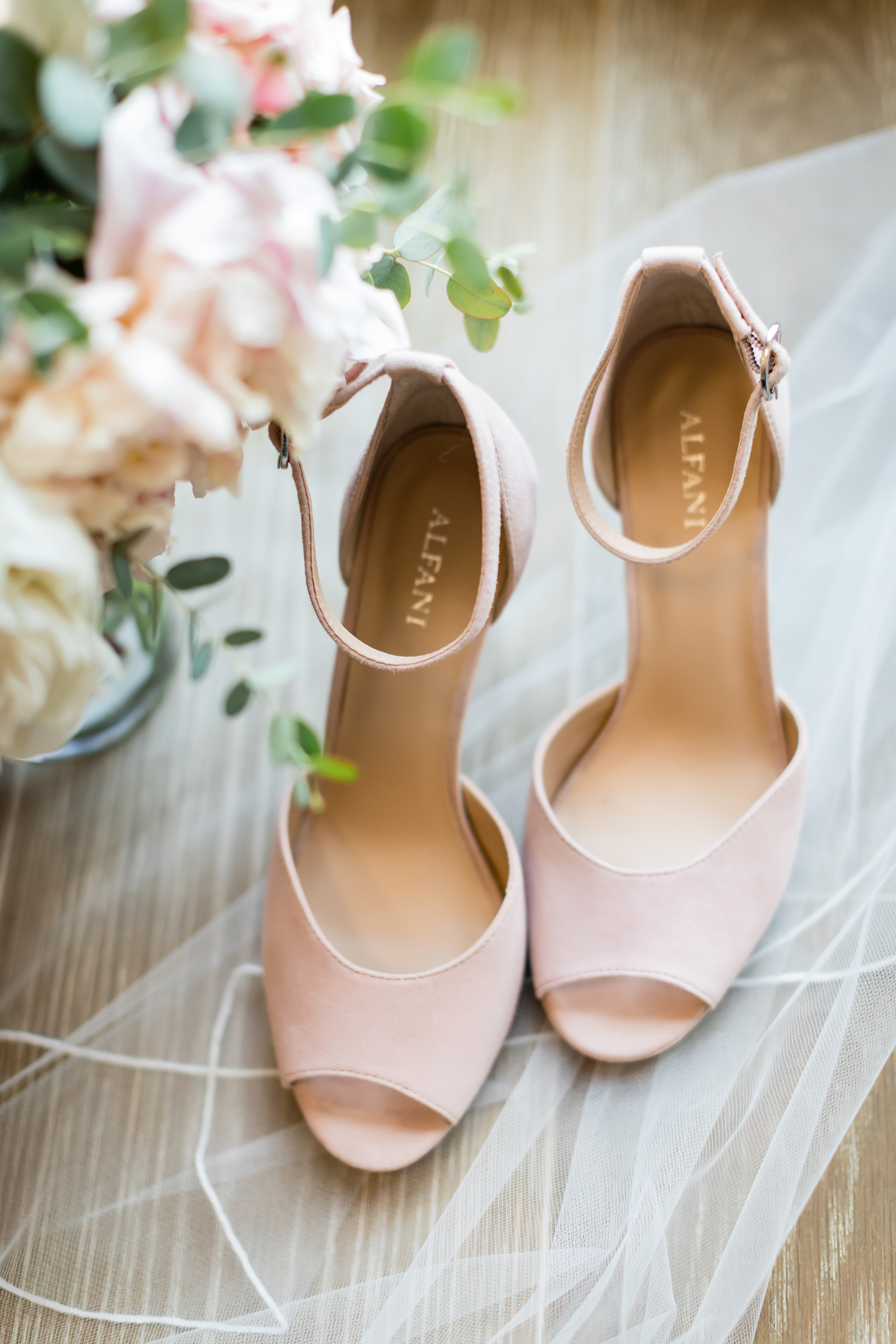 brielle-davis-events-kairos-photography-chandler-hill-wedding-bridal-shoes.jpg