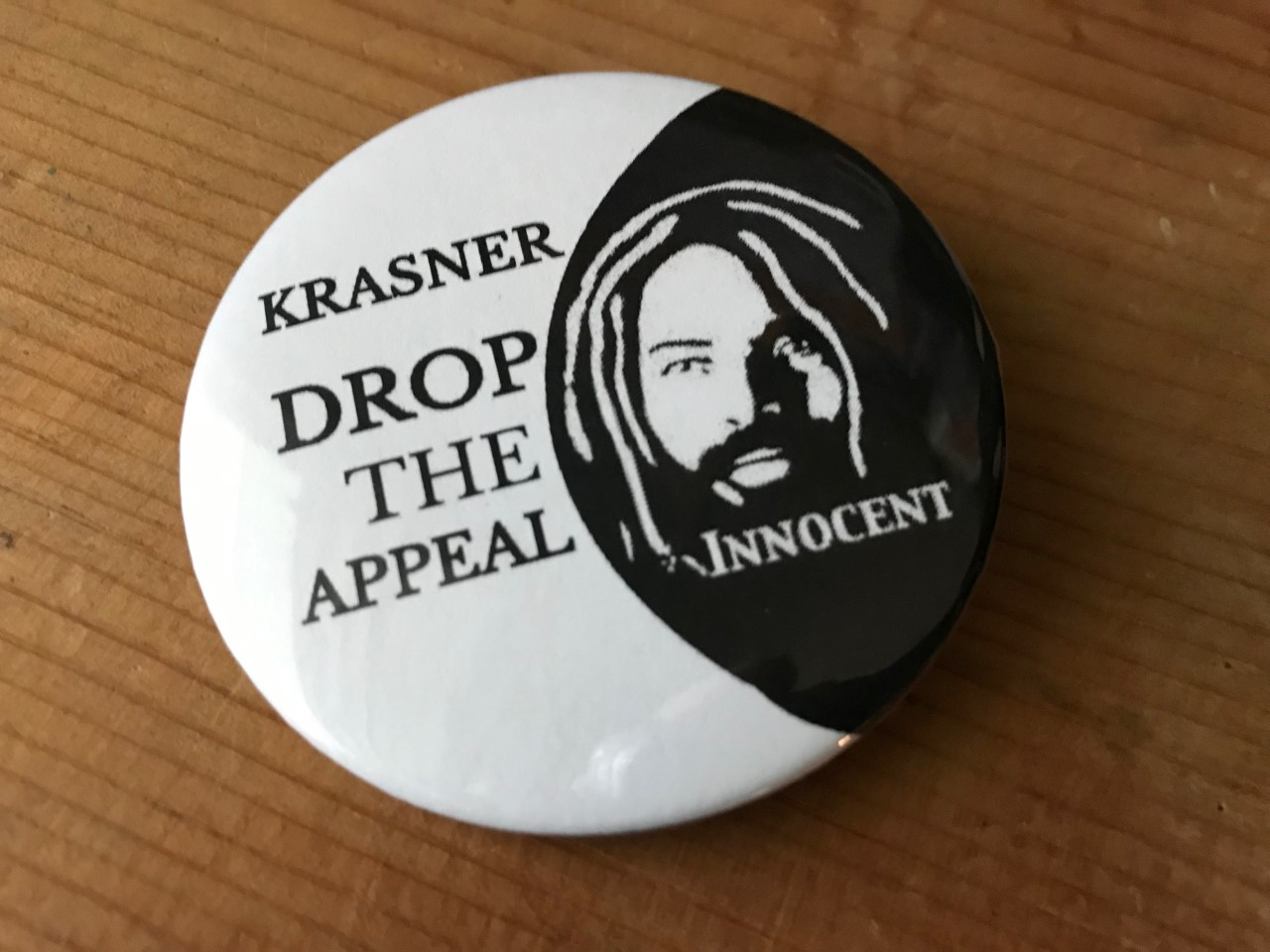 These buttons can be ordered (minimum order of 25) by emailing mobilization4mumia@gmail.com. Button graphic credit: Cindy Miller