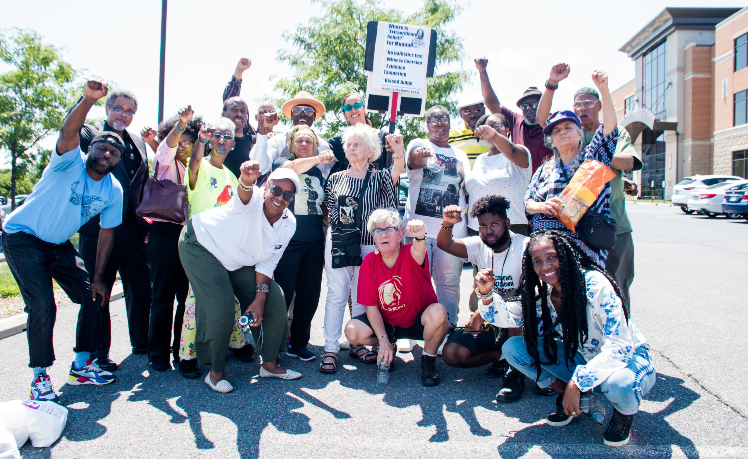 Mumia supporters gather together on July 24, outside PA Department of Corrections HQ in Mechanicsburg, PA. Photo credit: Joe Piette