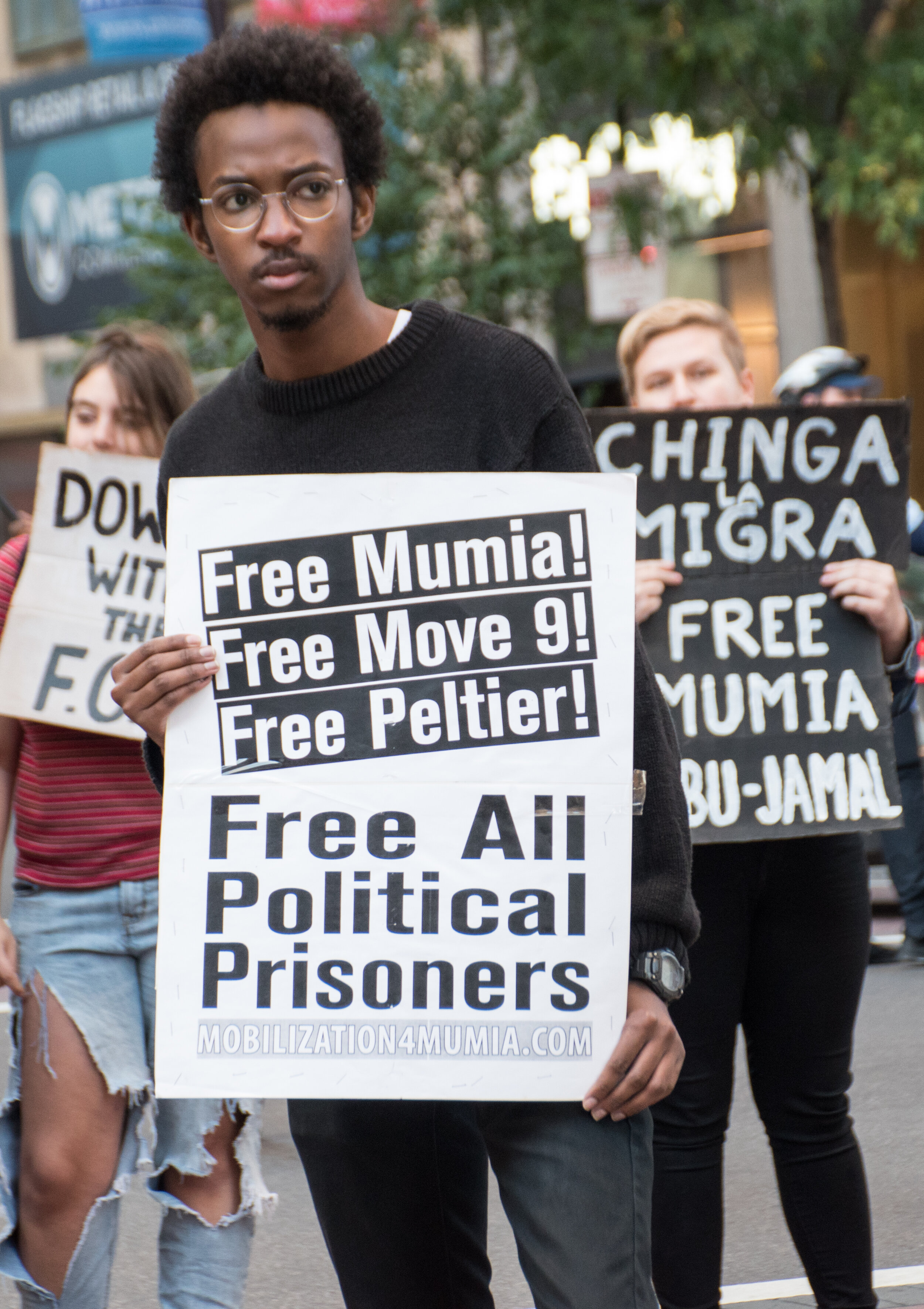 Philadelphia: Protesters at Oct 4 rally for Mumia. Photo credit: Joe Piette