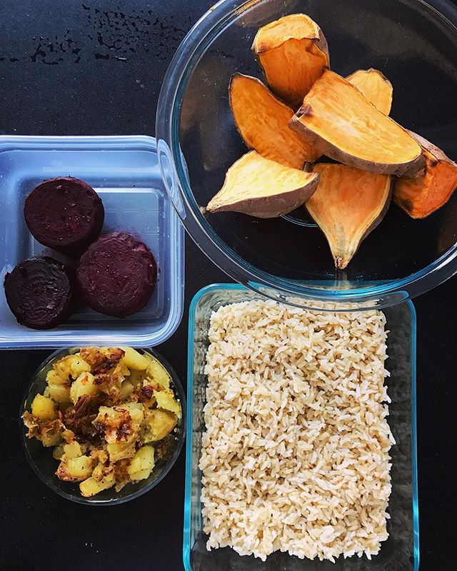 Who else loves to meal prep?! Quick mid day meal prep of brown rice, sweet potatoes, potatoes, and beets. Not 📸 pictured- the steamed beet leaves which I ate 🙈🙈 #vegan #wholefoodsplantbased #plantpowered #plantstrong #plantbased #sprouts_illustrated #mealprep #nutrition