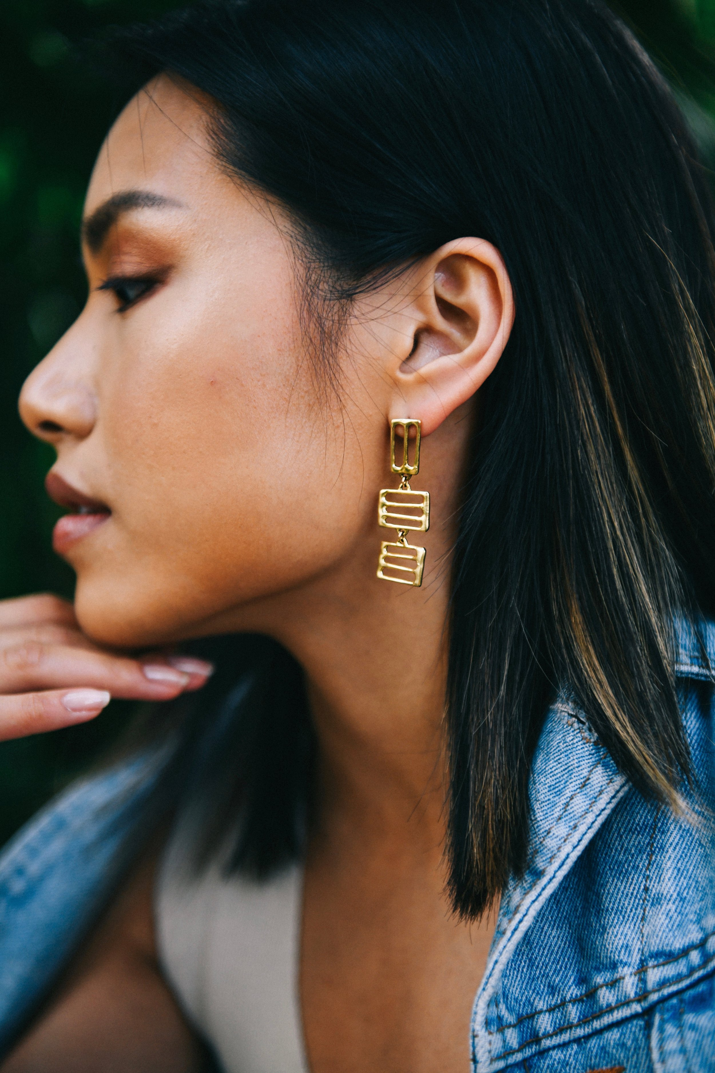Libby Trajkovski is the owner and artisan behind the brand Goldeluxe Jewelry. Goldeluxe is a line of handmade jewelry intended for everyday wear - design forward, delicate and easy to wear with anything.  -