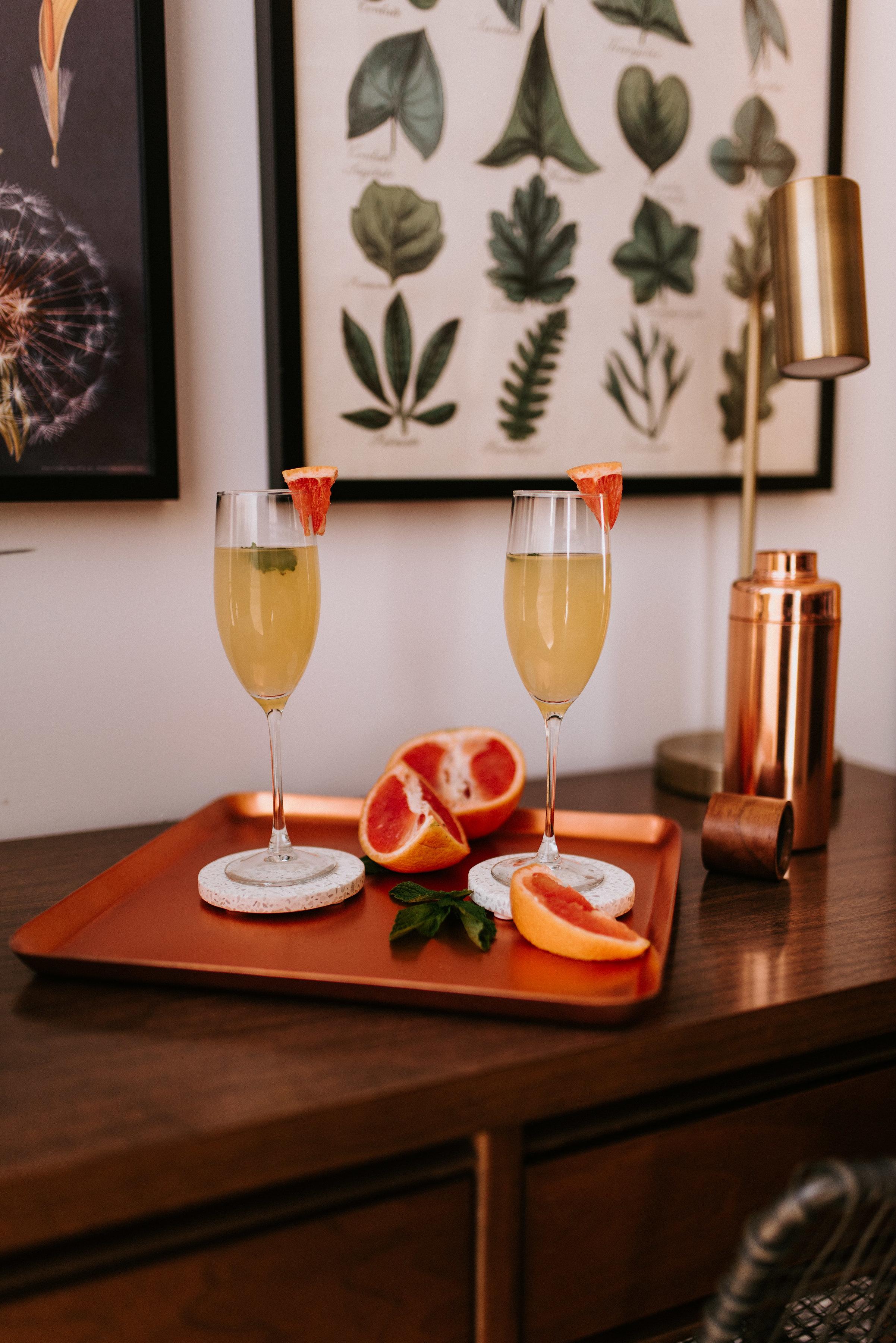 A zesty grapefruit spritz cocktail.
