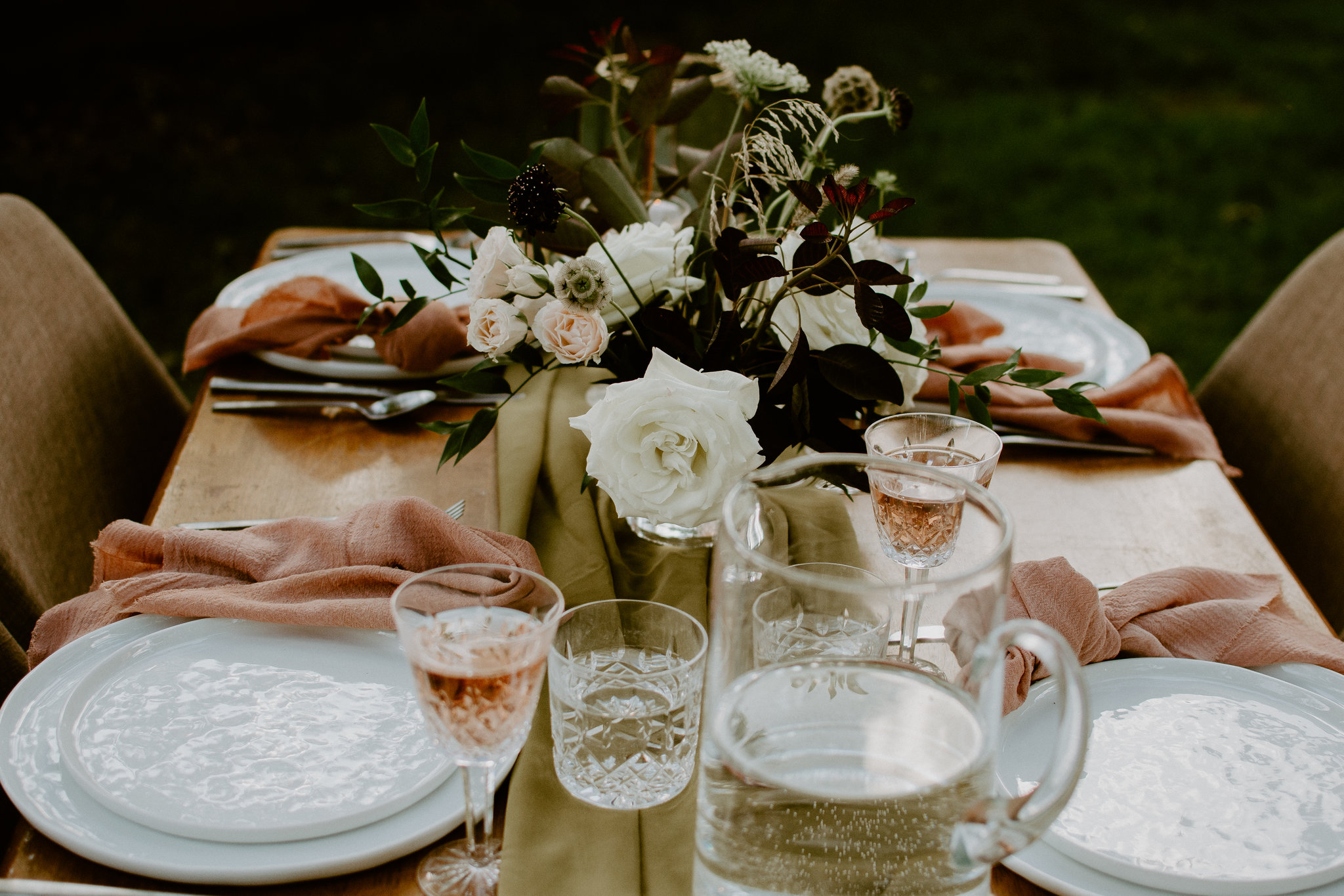 tablescape-chartreuse-casual-layout.jpg