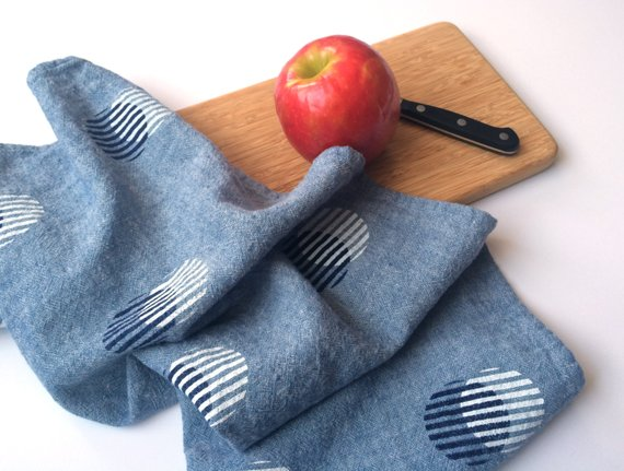 Beacon & Batten  will be bringing discontinued printed canvas placemats, pillow covers in assorted sizes and solid dinner napkin sets. They will also be bringing Individual printed felt coasters and seconds of make your own set and printed fabric panels.