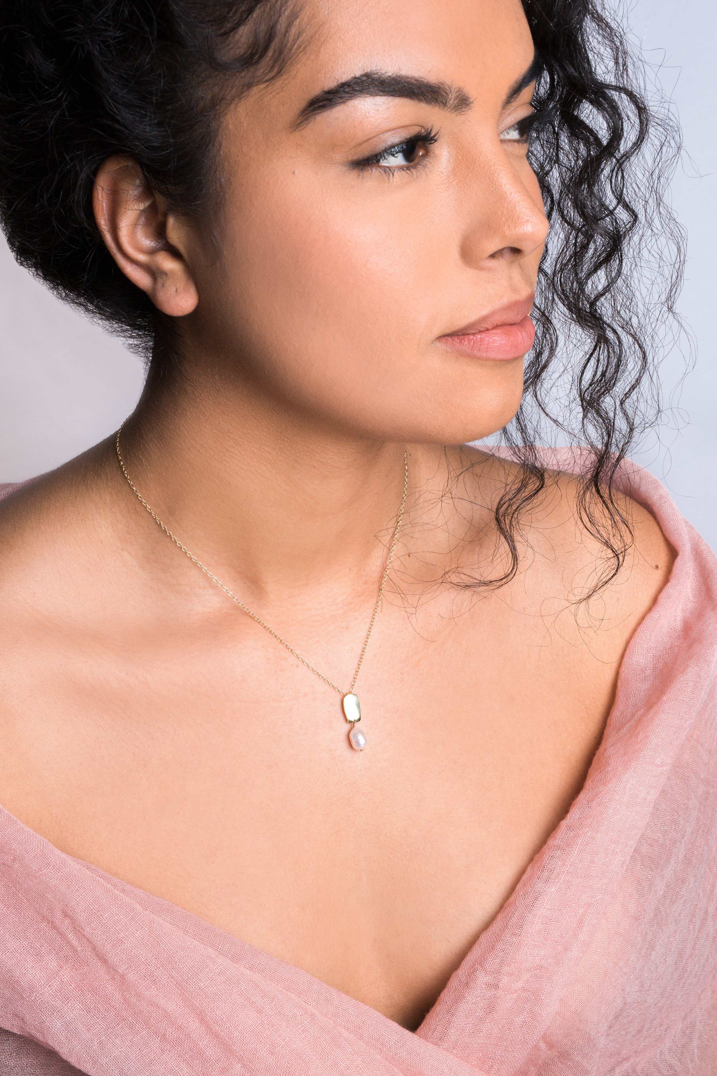 siren necklace with baroque pearl    / wool gauze scarf