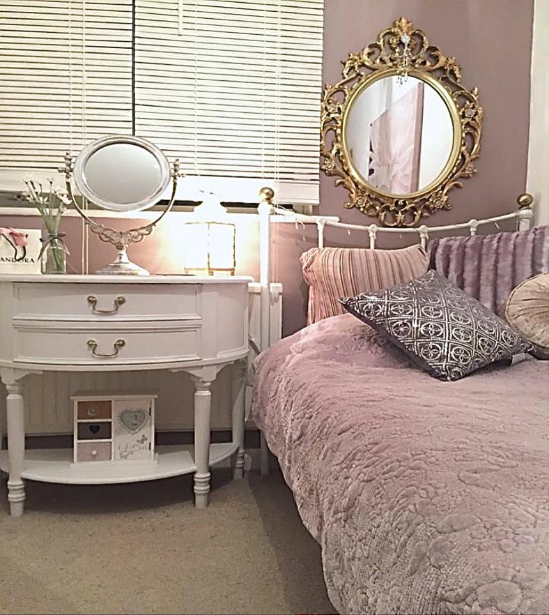 Amanda's Daughters room.png