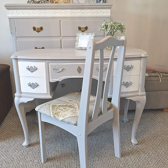 Making the most of being snowed in! 3 more dressing table complete! www.amandajaneinteriors.com 😊 #interiordesign #dressingtable #dressingtablestool #welldressedhome #painted #paintedfurniture #homeideas #bedroomdecor #shabbychic #interior123 #interiorstyling #interiorstyle #furniture #furnitureonline #beautiful #beautifulhomes