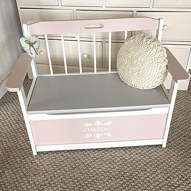 This child's Storage Bench is really so cute!!!
