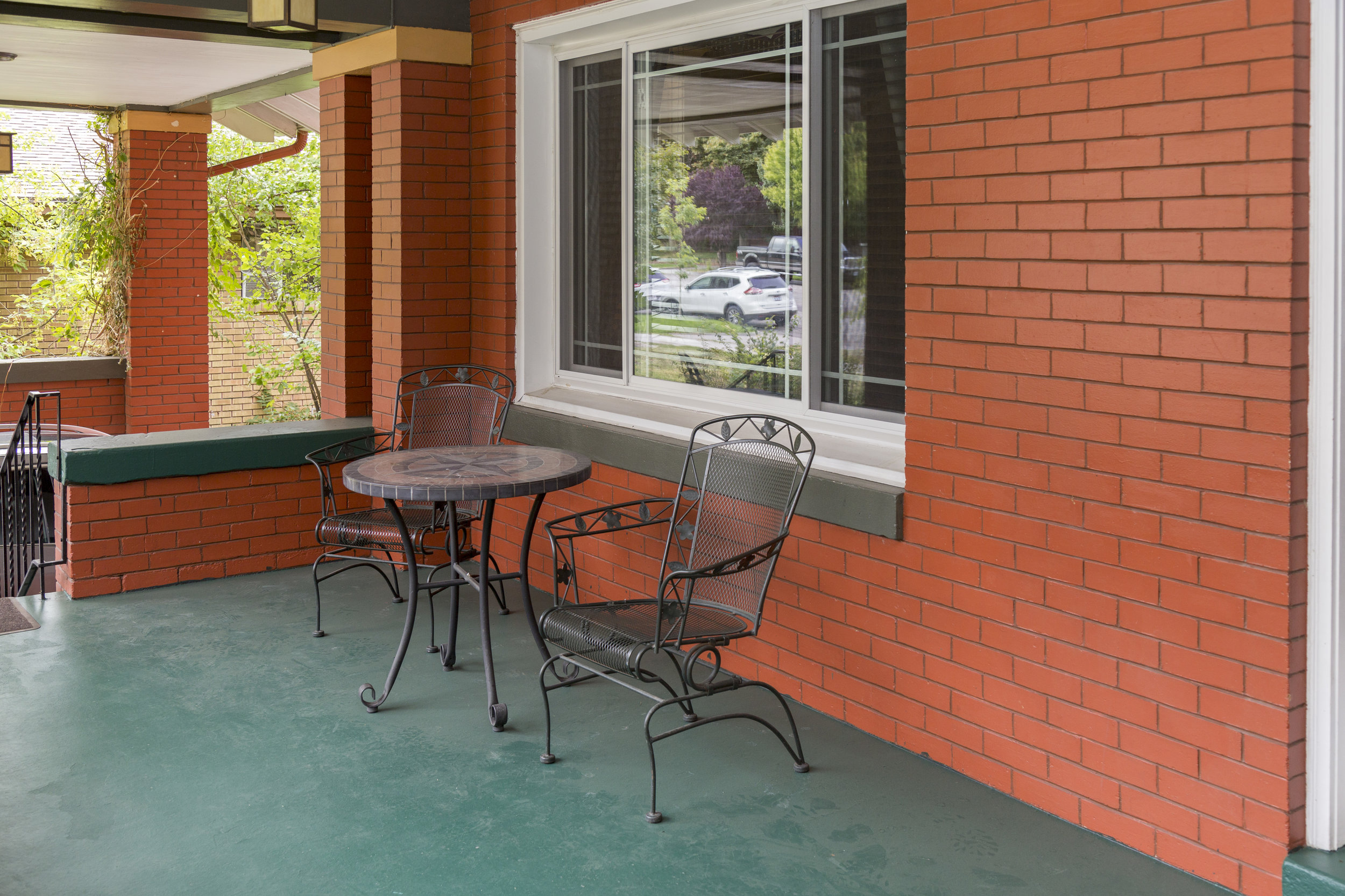 4. mountain view front porch.jpg