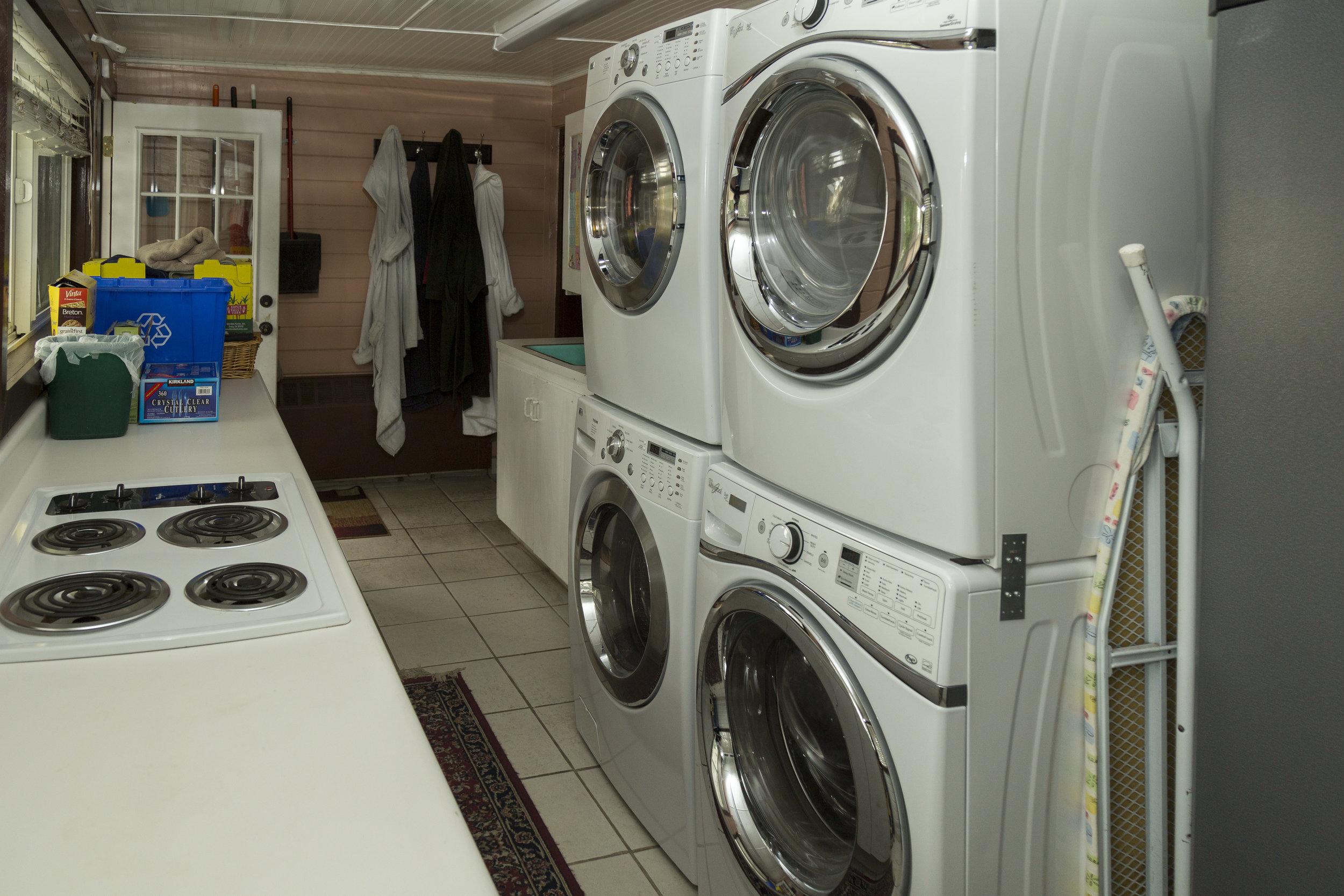 21. Laundry _ butler_s pantry.jpg