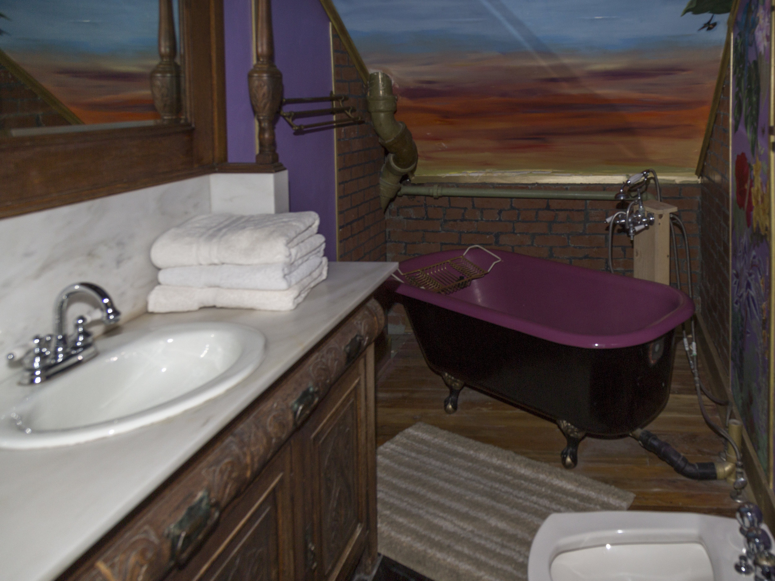 24. Master Bath .jpg