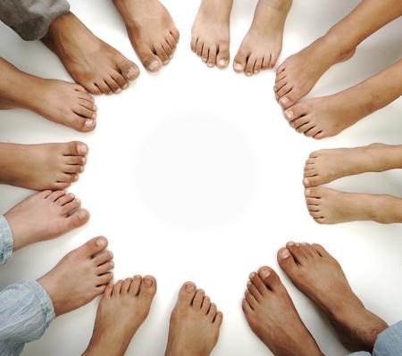 10542815_S_feet_many_sets_toes_.jpg