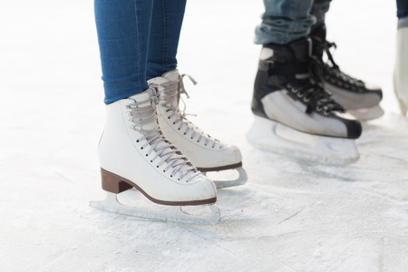 49308536_S-ice_skates_boy_girl.jpg