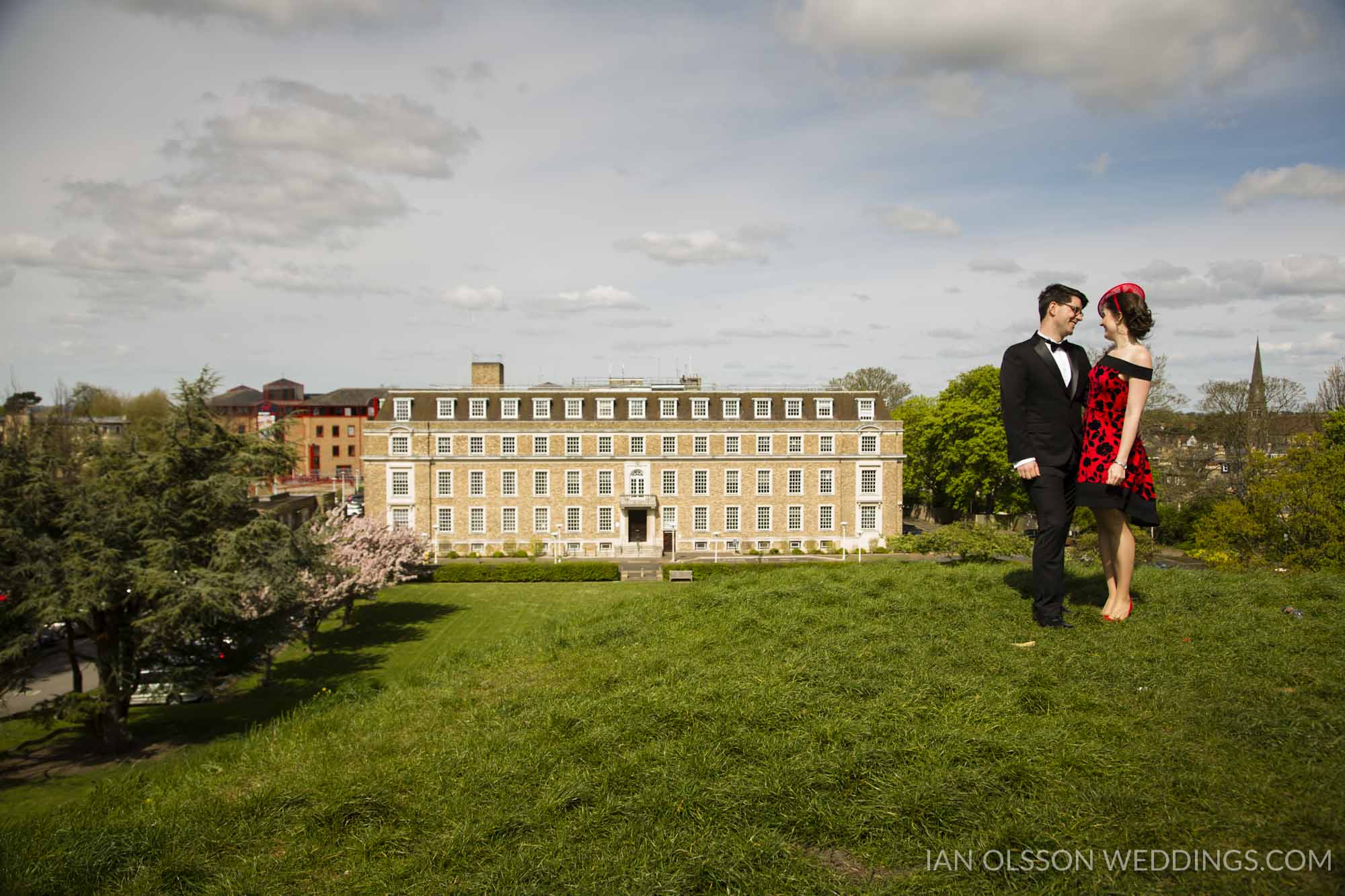 Shire Hall Cambridge Registry Office Wedding B&M | Photo: http:/