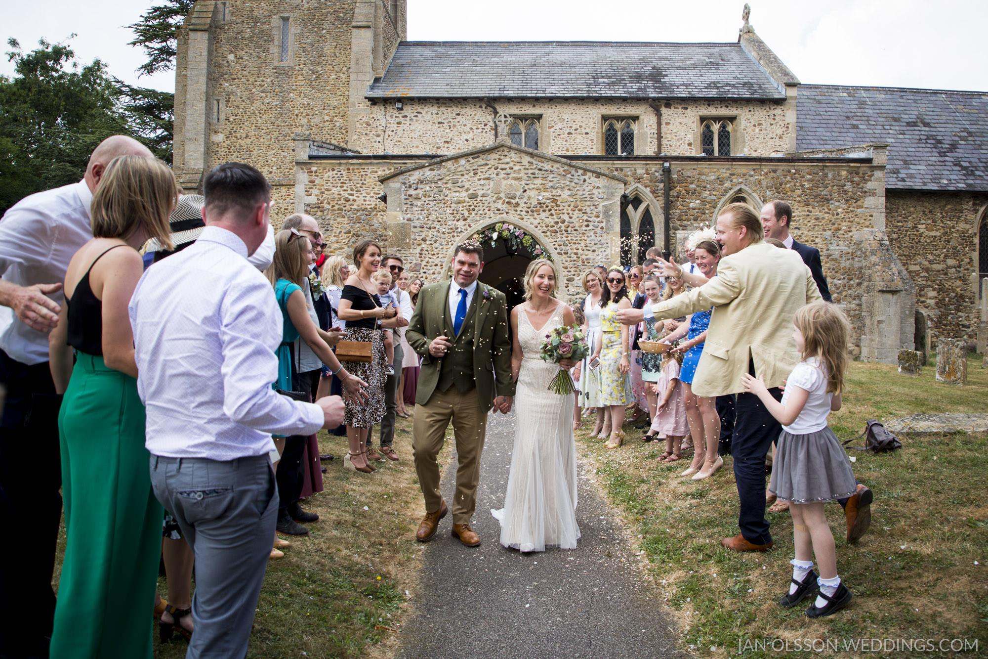 Holy Cross Yelling Wedding | Photo: https://www.ianolssonwedding